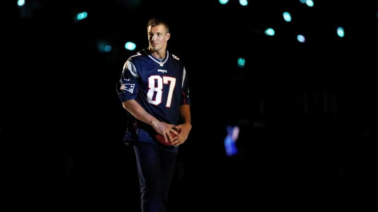Patriots & Buccaneers Finalize Rob Gronkowski Trade