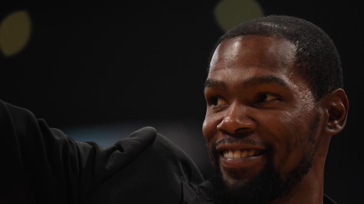 Kevin Durant Hilariously Trolls Salty Thunder Fan