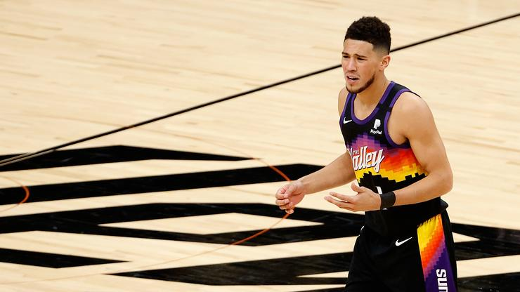 Devin Booker Washes Kylie Jenner In A Friendly Game Of Super Shot