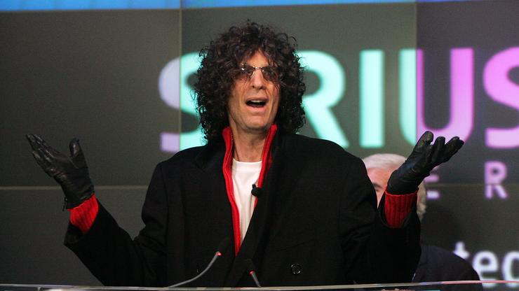 """Howard Stern Labels Kyrie Irving The """"Top Idiot In The Country"""""""