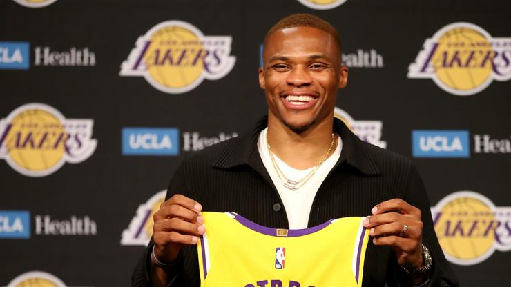 Russell Westbrook Slandered On Twitter After Lackluster Lakers Debut