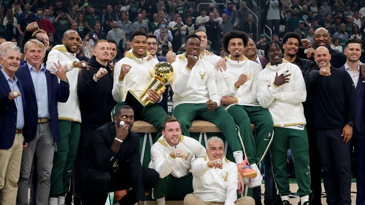 Milwaukee Bucks Reveal High-Tech Championship Rings On NBA's Opening Night